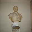 04.客席入り口付近の彫像