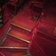 06.座席への階段
